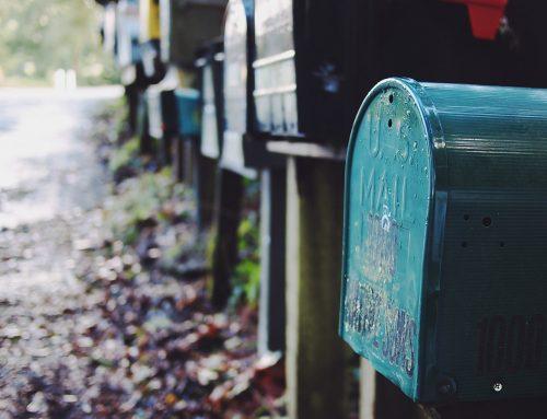 Pourquoi est-il préférable d'acheter une boîte aux lettres répondant à la norme PTT?
